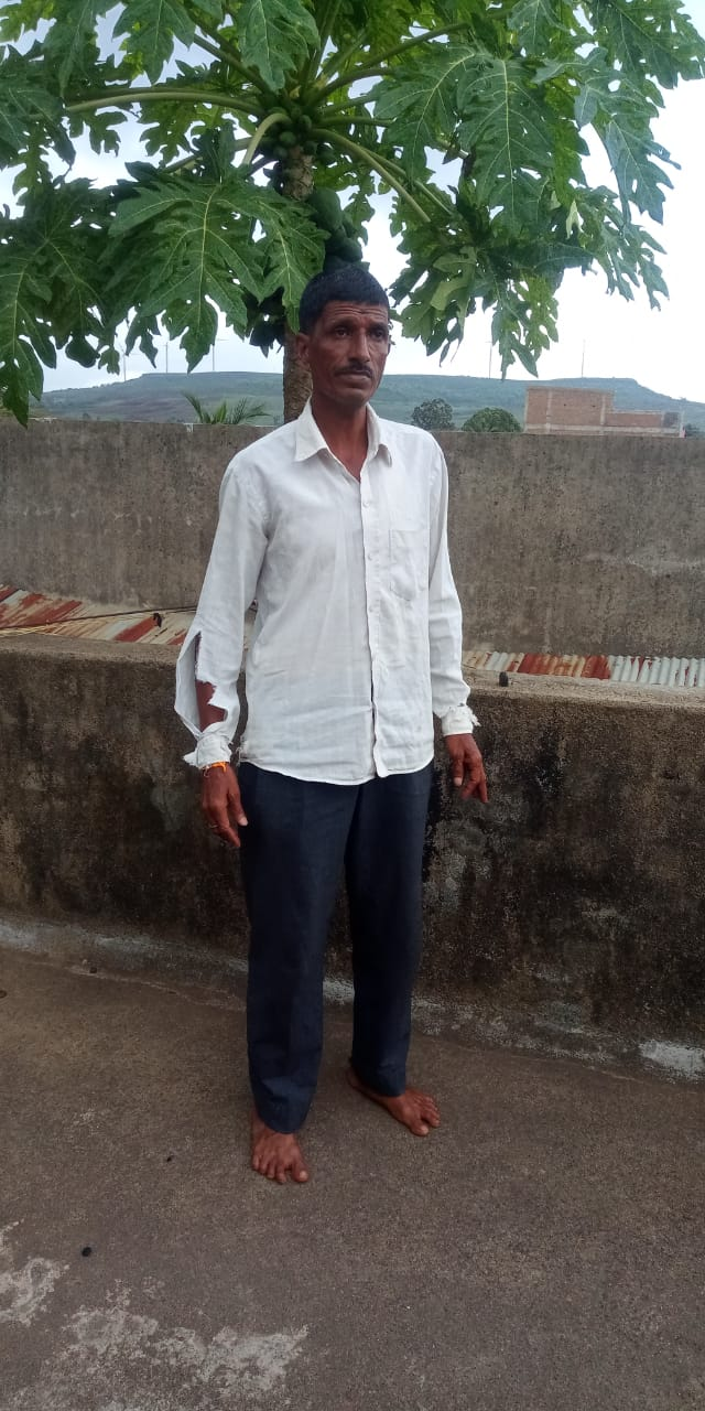 He wore same shirt for 3 years till govt sanctioned village tank