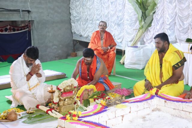 Pujas and homas before DKS's crowning