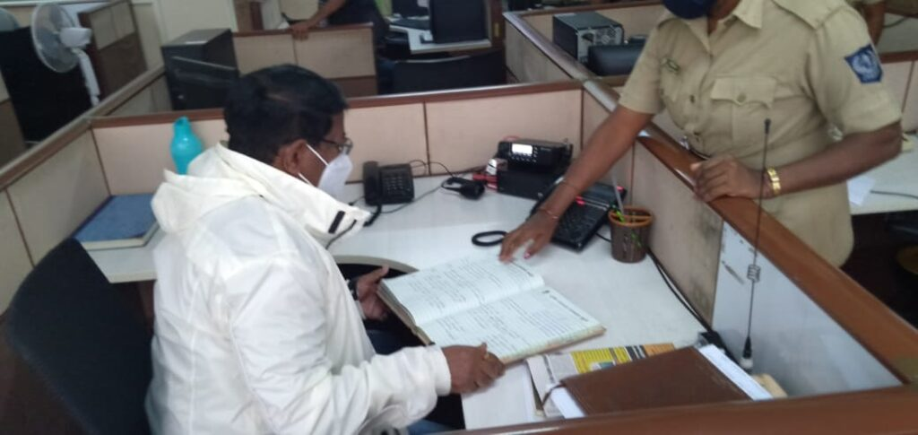 BBMP Commissioner keeps rain vigil on Sunday, fellow-IAS officers snooze! Administrator's alert to officers' WhatsApp group falls on 'siesta' ears