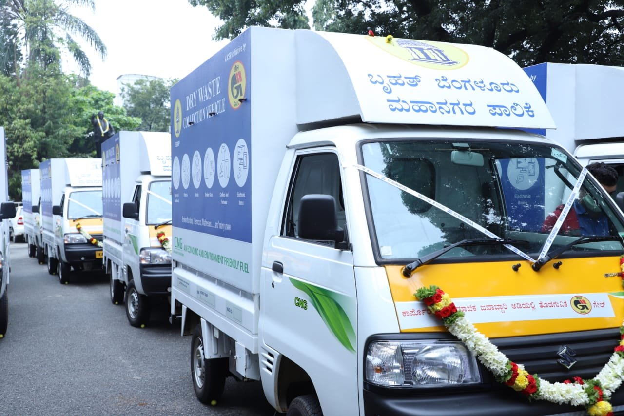 GAIL provides 18 CNG vehicles for Bengaluru waste collection Vehicles run on CNG & petrol