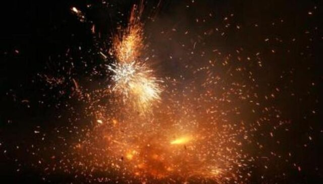 Karnataka joins Delhi, Mah in banning crackers on Deepavali