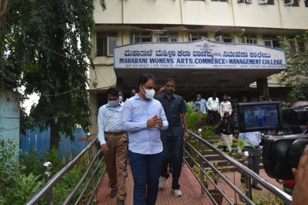 Colleges in K'taka reopen to lukewarm response