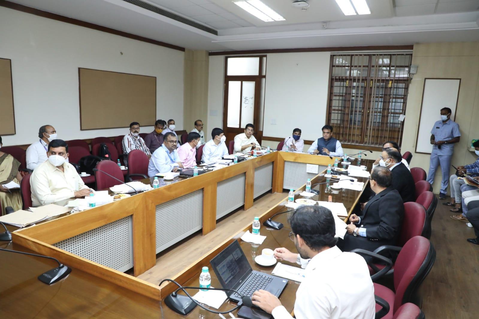 Karnataka ITIs to get 6 cutting-edge courses